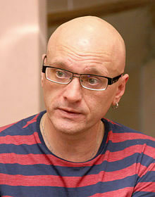 Alexei Devotchenko, Putin's vocal critic and proponent of independent Smolensk crash investigation found dead.