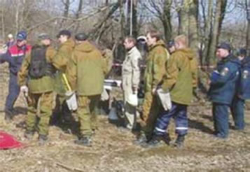 Polish President's Plane Crash: Spetsnaz units at the crash site around 1:00 P.M.